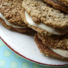Amish Oatmeal Whoopie Pie Cookies