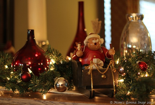 Christmas Mantel  (3)