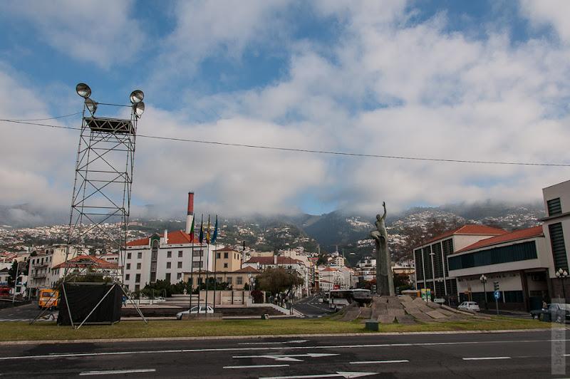56. Февраль. Мадейра. Канатная дорога. Фуншал. Площадь непосредственно у фуникулёрного вокзала.
