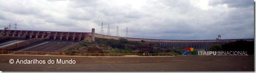 Itaipu Mirante do Vertedouro Nublado
