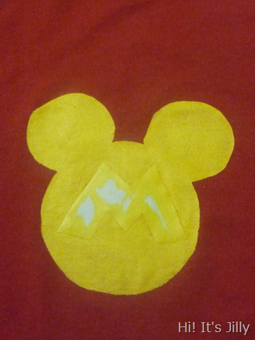 Personalized Mickey Head Shirt Tutorial from Hi! It's Jilly