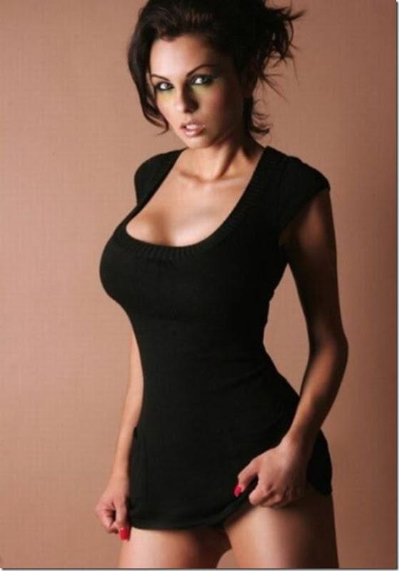 Garotas em vestidos apertados (23)