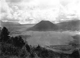 The Bromo caldera (unknown photographer, 1900-1930) Courtesy TropenMuseum Archives