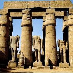 23 - Columnata del templo de Amon Ra en Luxor