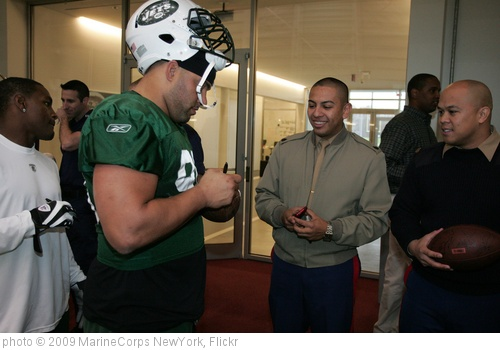 'Marines visit NY Jets practice' photo (c) 2009, MarineCorps NewYork - license: http://creativecommons.org/licenses/by/2.0/
