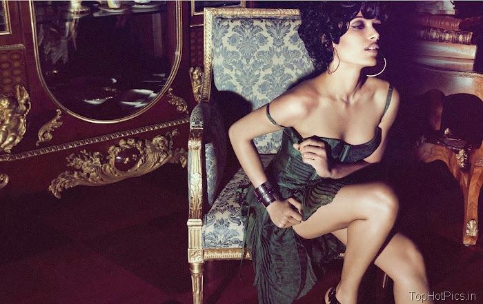 Freida Pinto Sexy 2012 Pics from Magazine 9