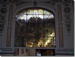 2013.04.26-005 vitrail dans le péristyle