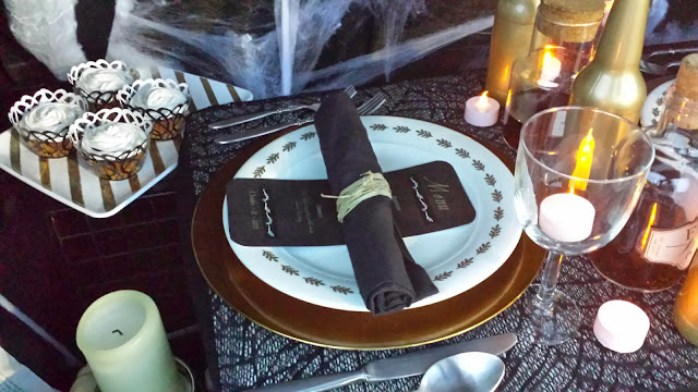 dinner plate setting for halloween