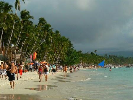 Pledoarie pentru Filipine: Boracay White Beach