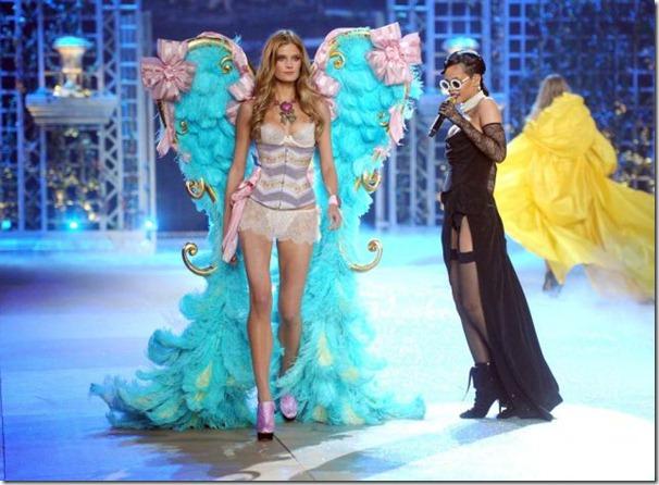 victorias-secrets-models-2012-25