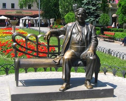 utyosov_monument.jpg