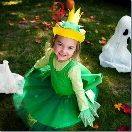 frog-halloween-costume-shoot-photo-420x420-bpeacock-088_0