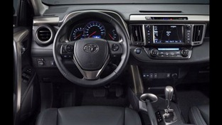 2013-Toyota-RAV4-1