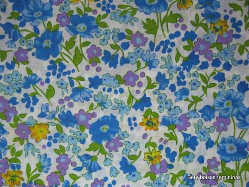 TE22-tecido-estampa-floral-medio-branco