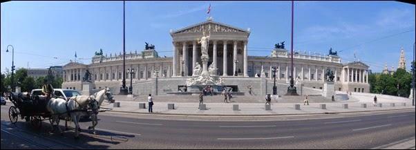 مبني البرلمان فيينا