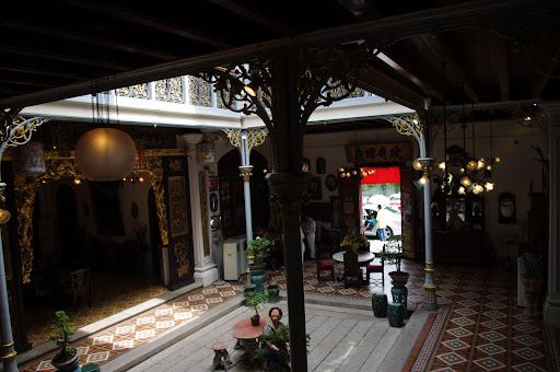 A look back in time at the Penang-Peranakan Mansion.