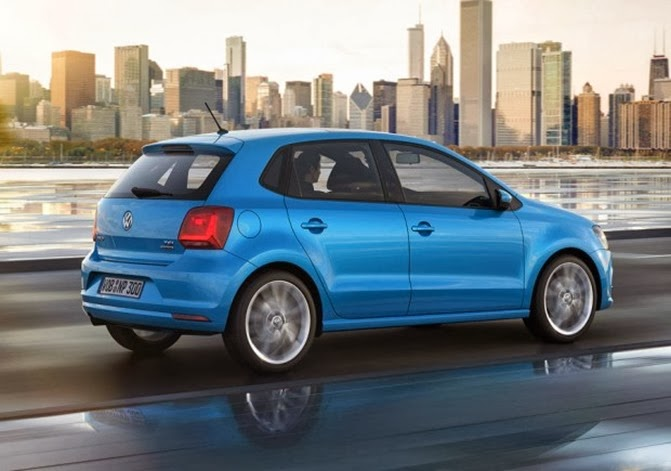 VW-Polo-2014-traseira