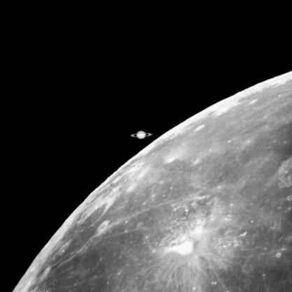 ocultação de Saturno pela Lua