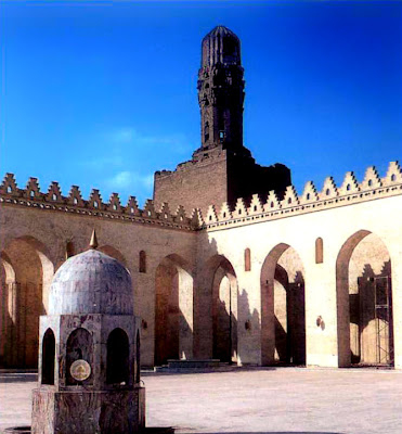 Northern corner of the al-Hakim Mosque in Cairo, 990-1013.