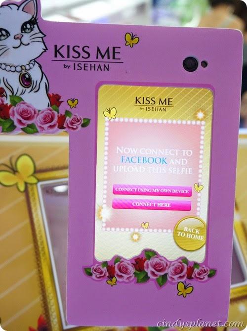 Kiss Me Selfie12