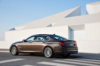 2013-BMW-7-Series-17.jpg