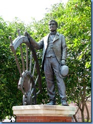 9489 Nashville, Tennessee - Discover Nashville Tour - Ryman Auditorium -Thoams Green Ryman statue