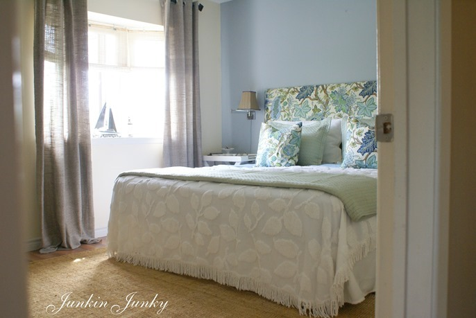 budget bedroom makeover at Junkin Junky