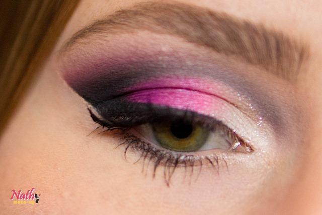 maquiagem usando a paleta de 120 cores