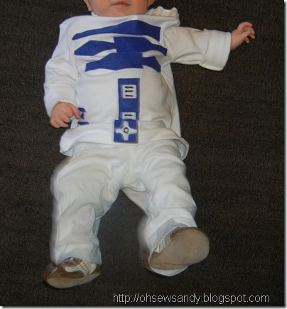 R2-D2 and Princess Leia Costumes for Kids