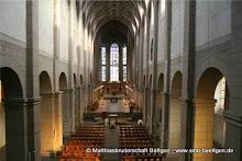 altarweihe-Totale_empore_quer_kl.jpg