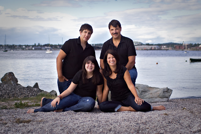 December 2010 - 3rd Place / Ness Family at Boulevard Park / Credit: Rene Ness