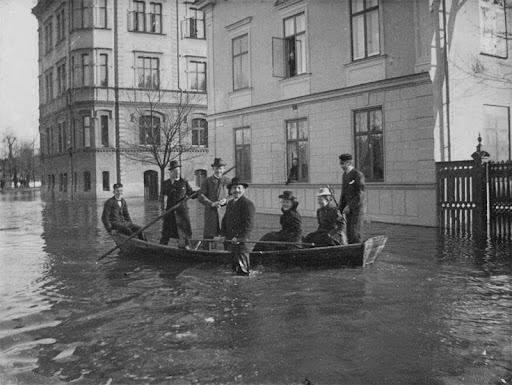 oversvamning-skolgatan-1900-2.jpg
