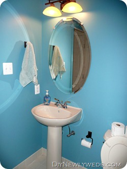 powder-room-before-makeover