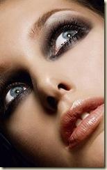 Conoce-los-mejores-tips-de-maquillaje-para-lucir-hermosa-el-día-de-tu-boda-187x300