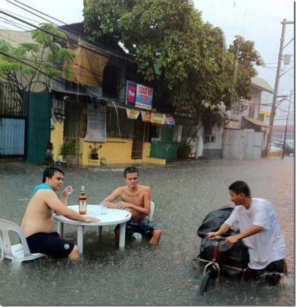 happy-flood-people-19
