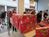20121215_toys_r_us_packerlaktion_125237.jpg