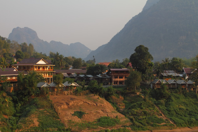 Nong Khiaw guest houses facing the river and nestled among the mountains