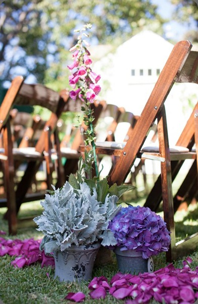Malibu-Wedding_Aisle-Flowers hidden garden and  D'Amore Photography