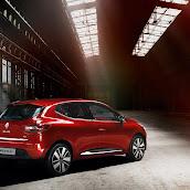 2013-Renault-Clio-4-Mk4-Official-14.jpg