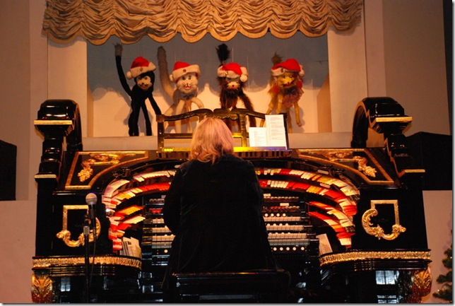 12-15-11 B Organ Stop Pizza (15)