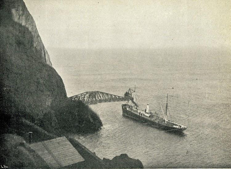 El vapor SESTAO, de Sota y Aznar, en Saltacaballo. El Mundo Naval Ilustrado. Año 1.900, pag. 135.JPG