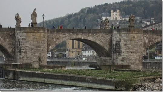 Alte Mainbrücke 7