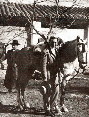 Joselito con Pandereta 001
