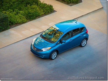 Nissan-Versa_Note_2014_800x600_wallpaper_12