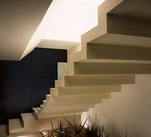 escaleras-casa-minimalista-tendencias-modernas