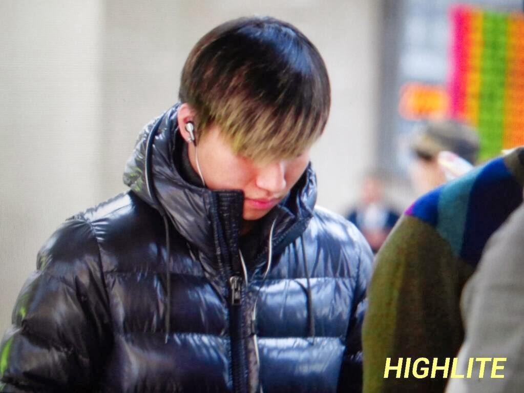 Big Bang - Gimpo Airport - 02dec2013 - Dae Sung - Fan - High Lite - 03.jpg
