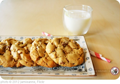 'Peanut Butter Cookies With Milk Chocolate Chips' photo (c) 2012, jamieanne - license: http://creativecommons.org/licenses/by-nd/2.0/