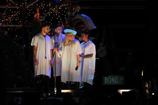 Lady+Gaga+Z100+Jingle+Ball+2011+Presented+K3xIE8OSp0Xl.jpg