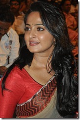 Anushka saree at Mirchi Audio launch