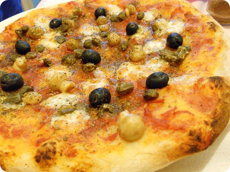 pizza olive e funghetti (2)